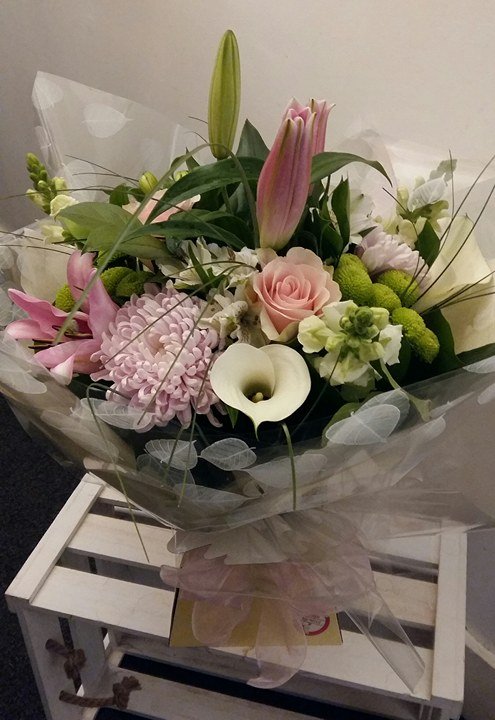 Send Flowers Pinxton same day delivery by Floral Boutique